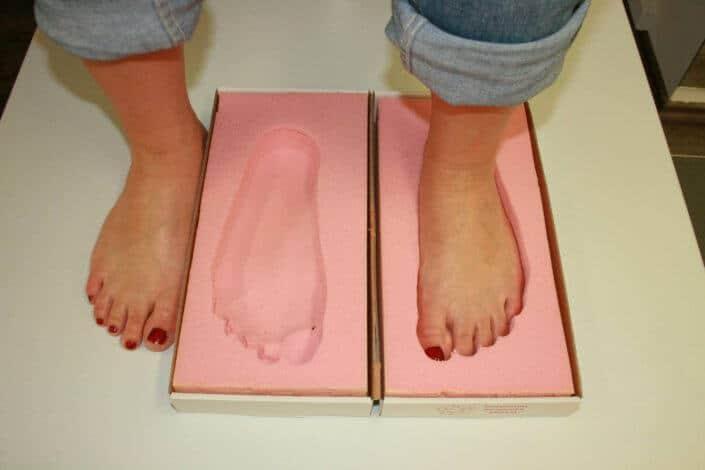 Fußabdruck in Schaum