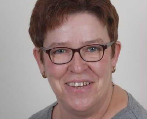 Frau Ursula Königs
